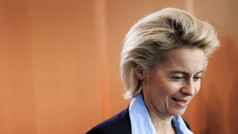 Betrugsverdacht: Verteidigungsministerin Ursula von der Leyen