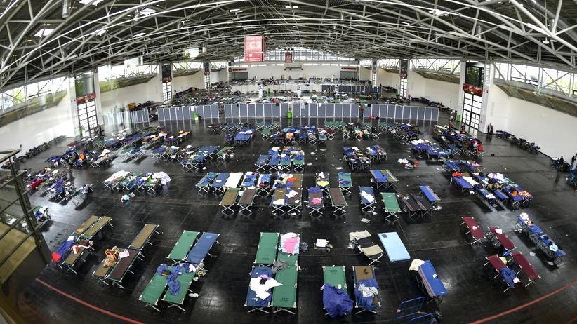 Wie lässt sich ein Flüchtlingscamp am besten organisieren?