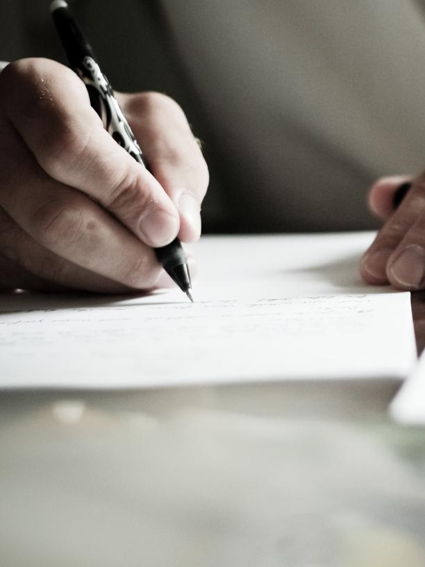 Master-Bewerbung: Viele Dozenten bieten nur noch ein standardisiertes Gutachten an.