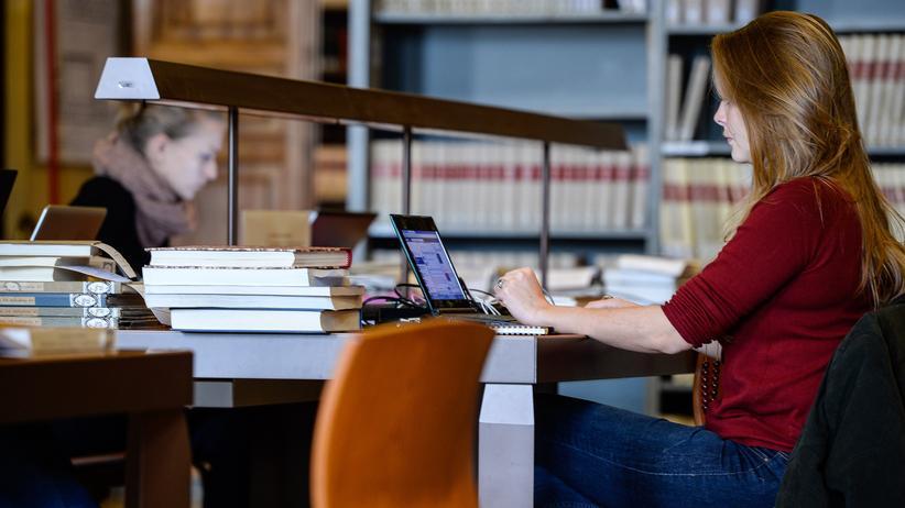 Studium: Das Schreiben der Hausarbeit mag noch Spaß machen, das Ausdrucken nicht mehr.