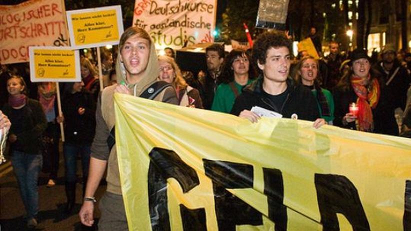 Proteste in Österreich: Studenten protestieren in Wien für bessere Bildung