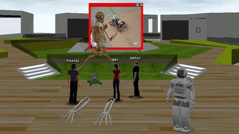 Virtuelles Lernen: Szene aus dem virtuellen Seminarraum. Das Skelett ist ein Vorbild für die Körperfunktionen des Roboters