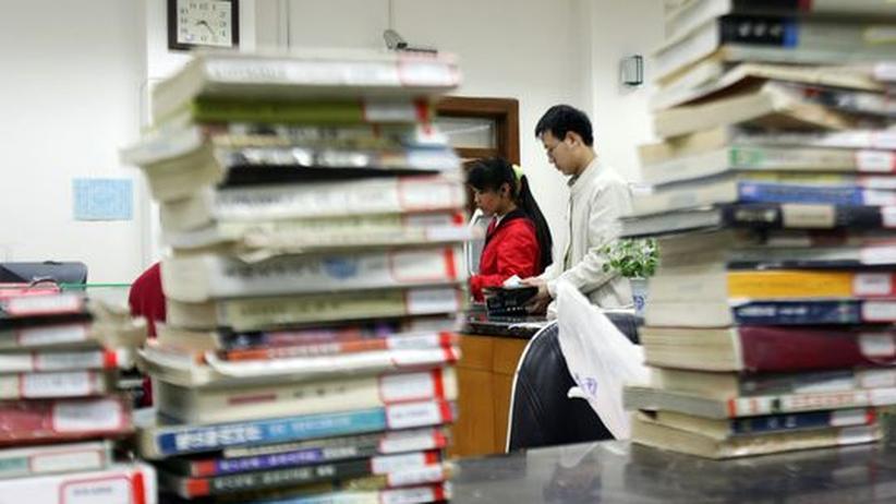 Wissenschaftliche Praxis: Viel Arbeit: die passende Literatur finden