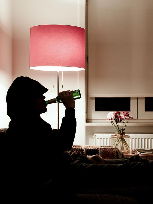 """Alkoholismus: """"Vor dem Referat einen Piccolo, vor dem Examen einen Sekt"""""""