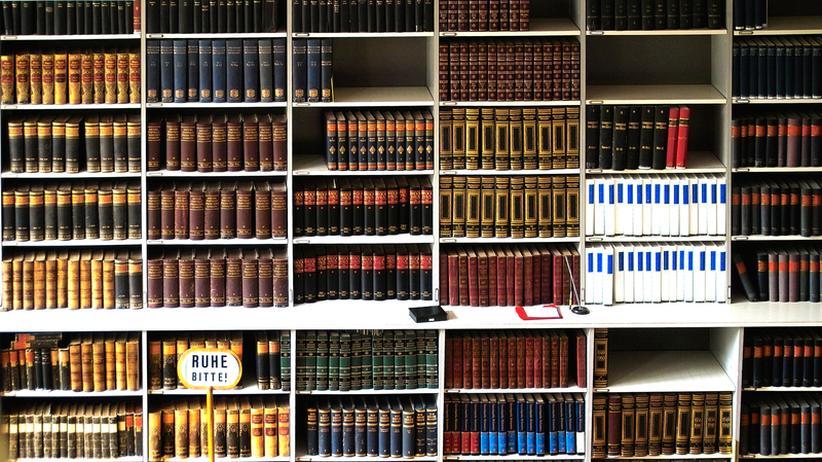 Moderne Bibliothek: Sitzen, spielen, reden, (lesen)