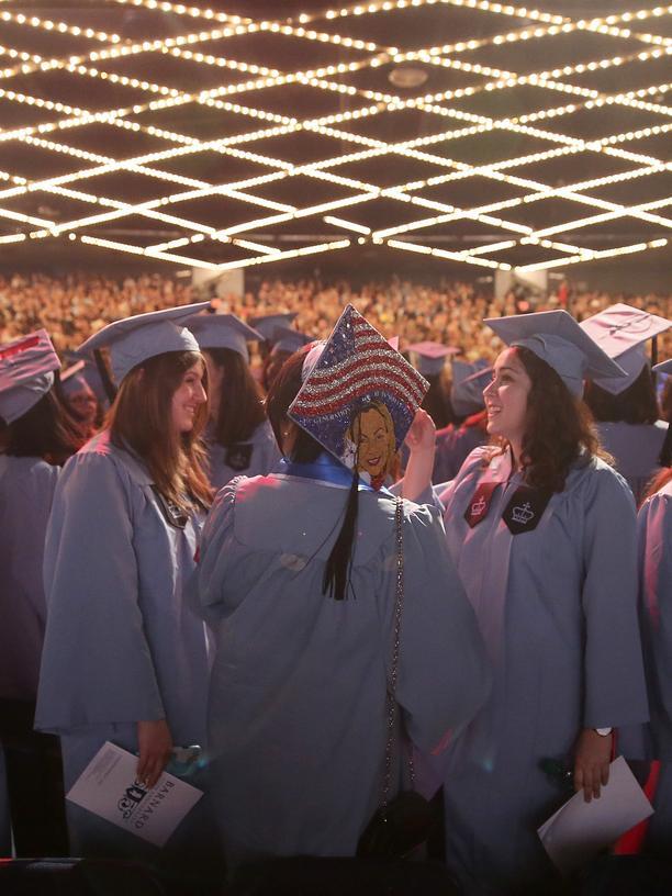 Stipendium: Ein Abschluss in den USA? Ohne Stipendium für die meisten zu teuer.