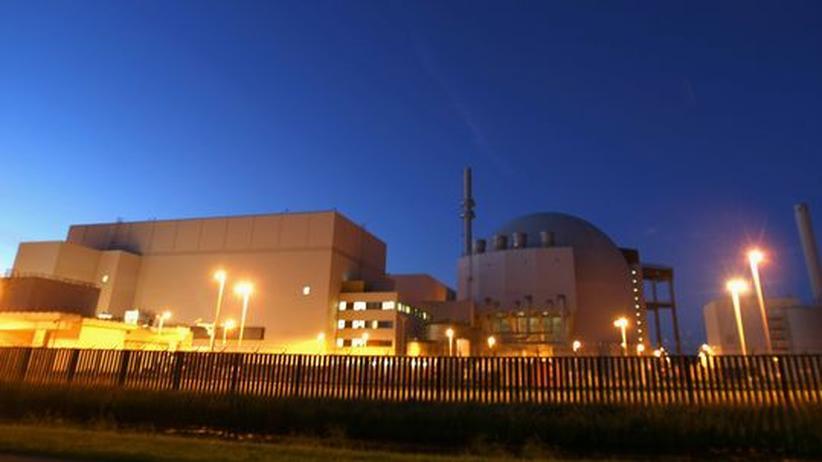 Laufzeitverlängerung: Das E.on Kraftwerk Brokdorf bei Hamburg ist seit 23 Jahren am Netz. Nach aktuellem Atomgesetz könnte es noch bis etwa 2018 Strom produzieren