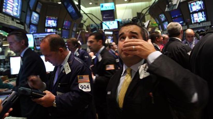 Vor einem Jahr: Die Lehman-Pleite versetzte die Händler an der New Yorker Börse in Panik. Weltweit fielen die Kurse