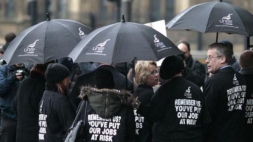 """""""Ihr habt unsere Jobs aufs Spiel gesetzt"""": Im Februar protestierten Finanzangestellte in London gegen die Bosse der Banken"""