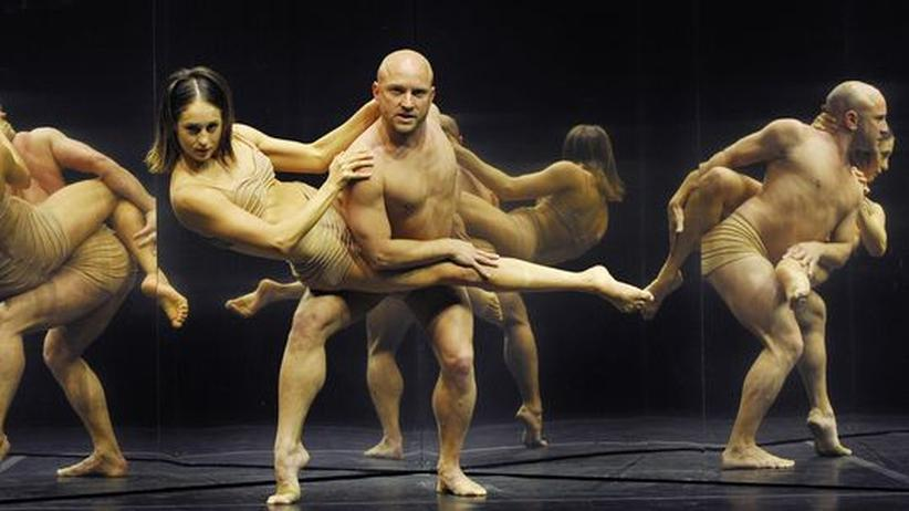 Tänzer der Sydney Dance Company, deren Aufführungen für Schönheit, Eleganz und Innovationskraft gelobt werden. Ihr Direktor Rafael Bonachela gilt international als großes Talent