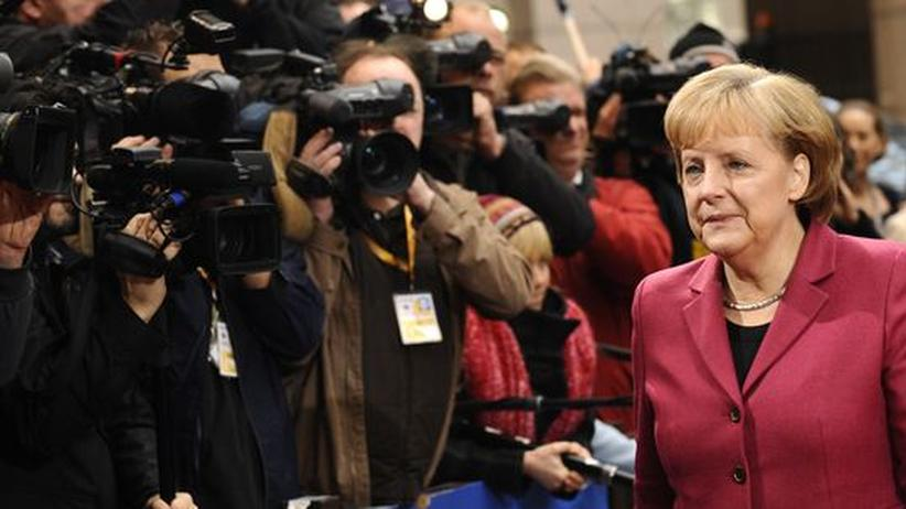 EU-Gipfel: Von Fotografen umlagert: Bundeskanzlerin Angela Merkel am Freitag bei ihrer Ankunft in Brüssel