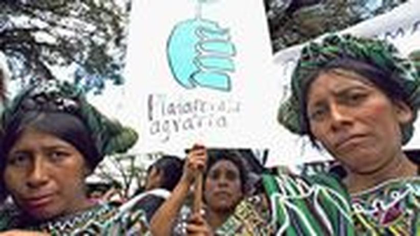 Proteste gegen die ungleiche Verteilung und gegen den Hunger regten sich bereits, wie hier, schon im Jahr 2004. Seither haben sich die Verhältnisse kaum verändert