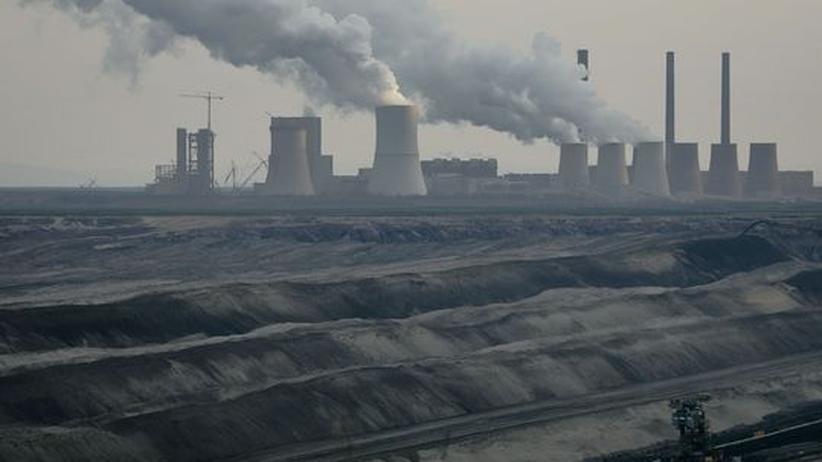 Klimaschutz: Braunkohle ist der klimaschädigendste Energieträger überhaupt. Ohne Umwelttechnologien wie CCS, dem unterirdischen Speichern von Kohlendioxid, hat der Abbau wie hier bei Cottbus kaum eine Zukunft