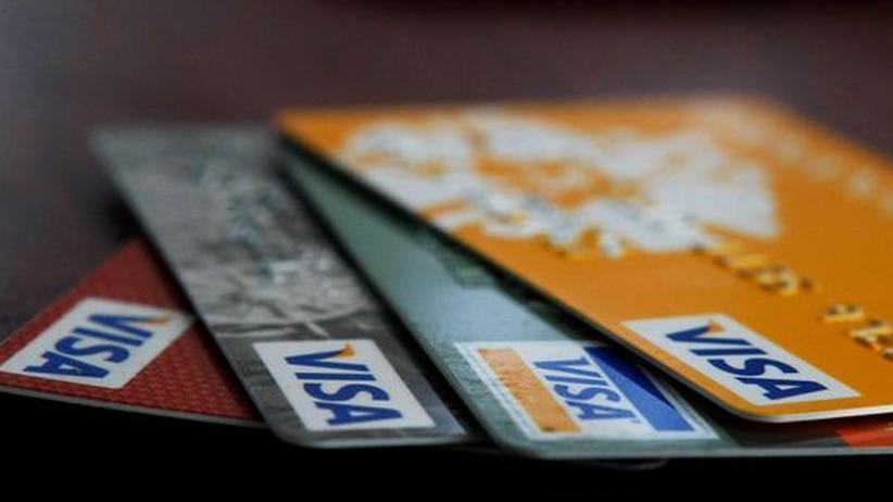 Visa und Mastercard: Verdacht auf Datenklau – 100.000 Kreditkarten werden eingezogen
