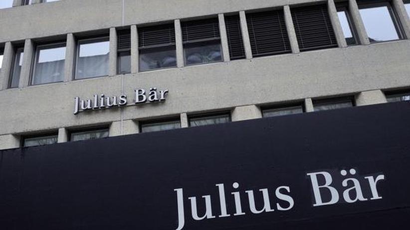 Rudolf Elmer arbeitete für die Traditionsbank Julius Bär. 2003 entließ ihn die Bank