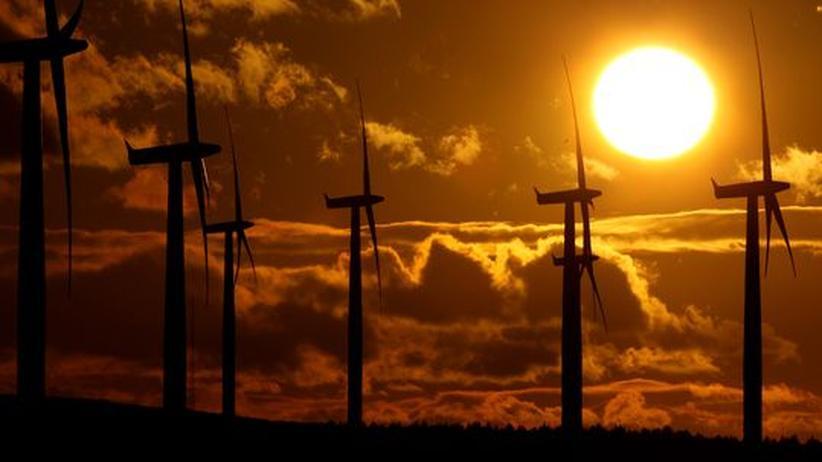Klimaschutzgesetz: Seit zwei Jahren hat Großbritannien ein Klimaschutzgesetz. Das Land baut inzwischen offensiv die Windenergie aus. SPD und Grüne fordern jetzt ein ähnliches Gesetz für Deutschland