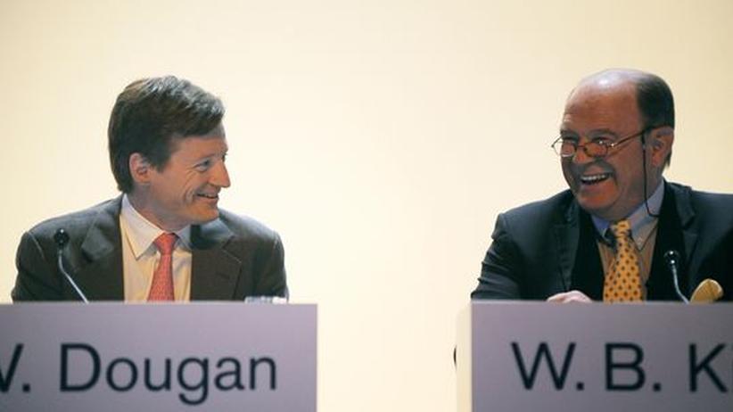 Sind guter Dinge: Credit-Suisse-Chef Brady Dougan und Walter Kielholz, Verwaltungsratspräsident der Swiss Re, bei der Generalversammlung der Creit Suisse Bank