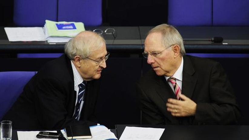 Geldversorgung: Laden zum Kreditgipfel: Wirtschaftsminister Rainer Brüderle und Finanzminister Wolfgang Schäuble