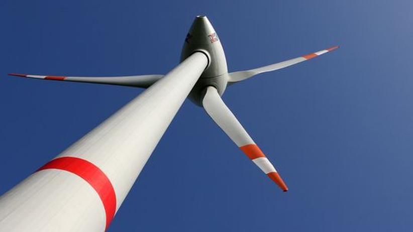 Erneuerbare Energien: Kommen Windenergie, Solarstrom und Energie aus Biomasse und Wasser tatsächlich in zehn Jahren auf einen Anteil von knapp 50 Prozent, dann können sie mindestens 15 Prozent der Grundlast liefern