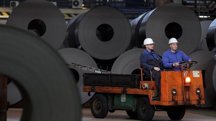 Arbeitszeit: Weniger Industriebeschäftigte arbeiten deutlich mehr