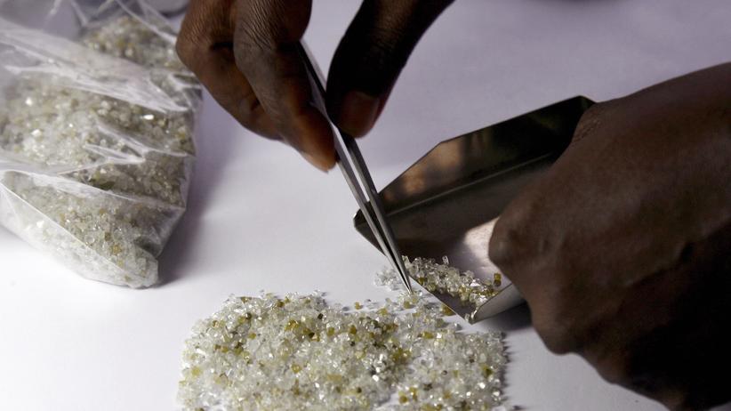 Edelsteinfieber in Afrika: Ein Terror-Regime für Diamanten