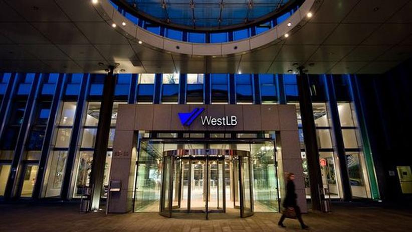 Bankenfusion: Zentrale der WestLB in Düsseldorf: Durch eine Fusion mit der BayernLB entstünde das zahlenmäßig drittgrößte deutsche Geldinstitut
