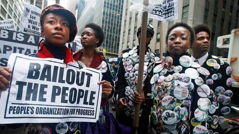 Demo in New York gegen die Rettung von Banken durch den Staat: Angesichts der horrenden Staatsverschuldung fordern die Autoren neue Maßstäbe für Wachstum und Wohlstand