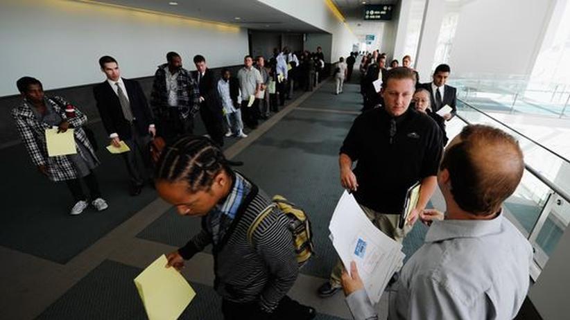 USA: Arbeitslose in Los Angeles: Die amerikanische Wirtschaft wächst wieder, aber es entstehen keine neuen Jobs