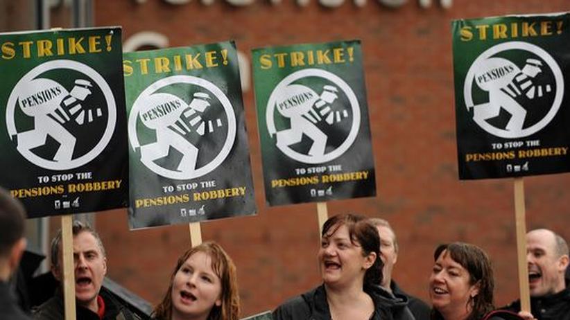 Mitarbeiter der BBC protestieren gegen die großen Einsparungen