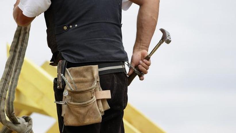 Beschäftigung: Die Kluft am Arbeitsmarkt wächst