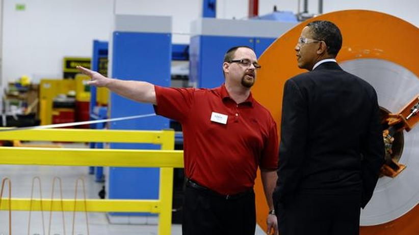 US-Wirtschaft: US-Präsident Barack Obama besucht ein Industrieunternehmen in Manitowoc, Wisconsin. Orion Energy Systems entwirft und baut Enerigeeffizienz- und Öko-Energie-Technologie.