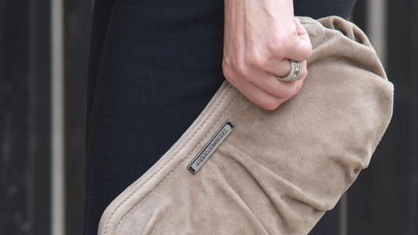 Ökologischer Konsum: Aus korrekt hergestelltem Leder? Handtasche der Prinzessin Letizia von Spanien