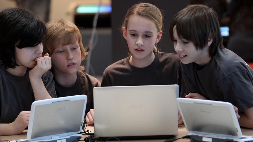 Onlinewerbung für Kinder: Kinder blinkend in die Irre führen