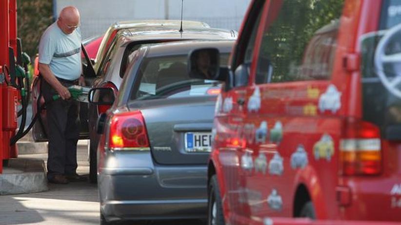 Mobilität: An Deutschlands Tankstellen droht Benzinknappheit