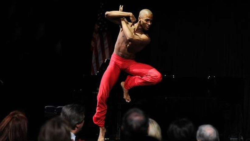 Alvin Ailey Kompanie: Ein Tänzer von Alvin Ailey in New York