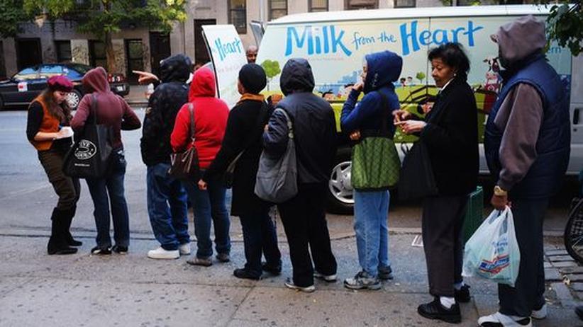 Wirtschaftskrise: Mobile Ausgabe von Nahrungsmitteln in Manhattan