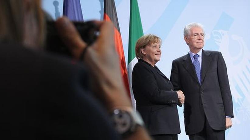 Fiskalpakt: Angela Merkel und Premierminister Mario Monti nach einer gemeinsamen Pressekonferenz zur Euro-Krise, vor einigen Tagen in Berlin