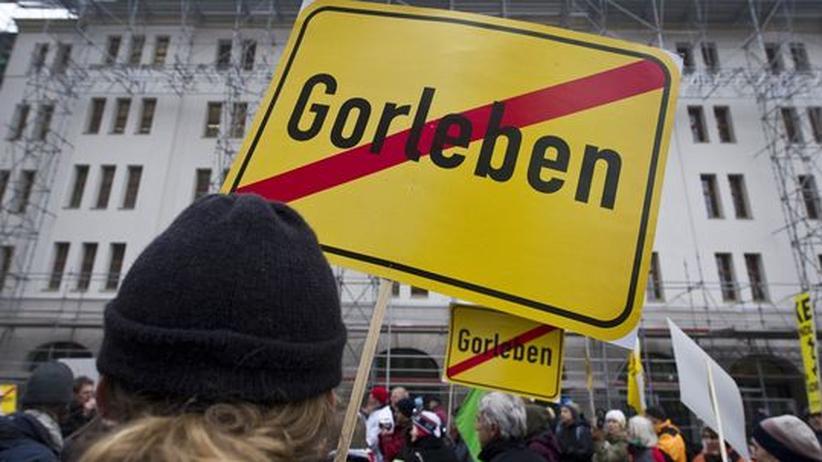 Atomkraftgegner demonstrieren in Berlin gegen das Endlager Gorleben.
