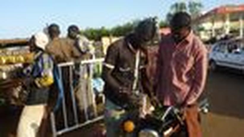 Wirtschaftsbuch: Schattenwirtschaft, die den Armen hilft
