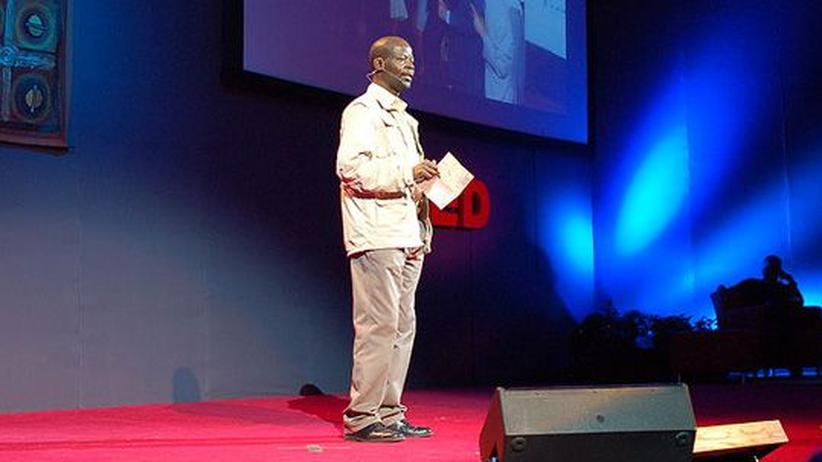 Entwicklungshilfe: James Shikwati, Kenyan economist, at the TEDGlobal 2007