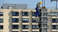 Ein Arbeiter auf einer Baustelle in Essen