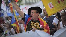 Katalanen auf der Straße: Demonstranten protestieren in Barcelona gegen die Sparpolitik der Regierung von Premier Mariano Rajoy.