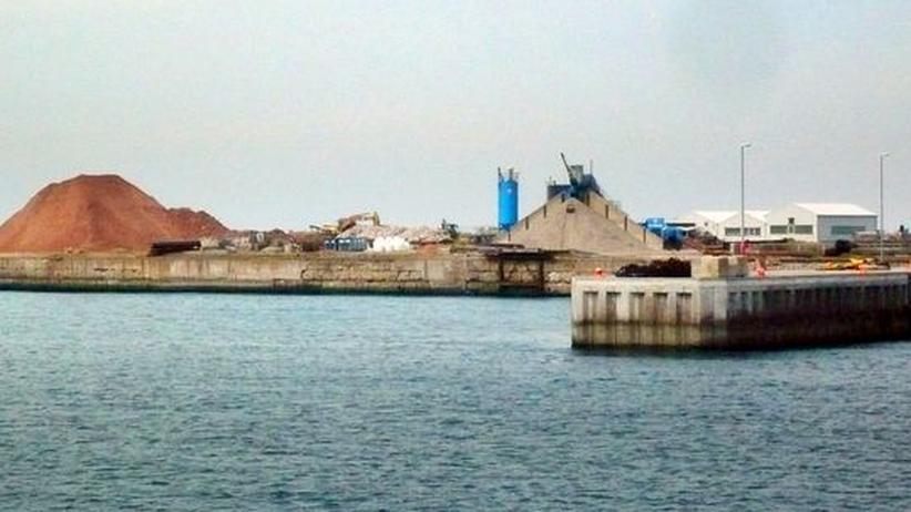 Der Südhafen auf Helgoland, zukünftiger Standort der Offshore-Windenergiefirmen