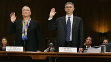 Irene Dorner, HSBC-Nordamerika-Chefin, und Stuart Levey, Chef der HSBC-Rechtsabteilung, in der Anhörung des Senats zu den Vorwürfen gegen ihre Bank
