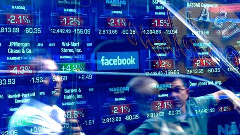 New Yorker Börse: Kurstabellen der Technologie-Börse Nasdaq am New Yorker Times Square