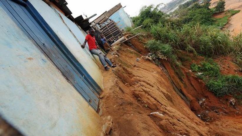 Welternährungstag: Erosion in einem Slum von Abidjan, der größten Stadt der Elfenbeinküste