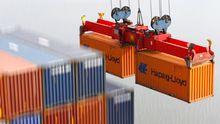 Am Containerterminal Altenwerder in Hamburg