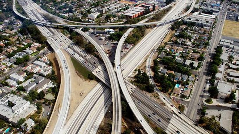 Quartalsbericht: Ein Autobahnkreuz in Los Angeles