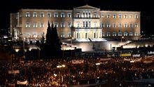 Demonstranten vor dem griechischen Parlament in Athen