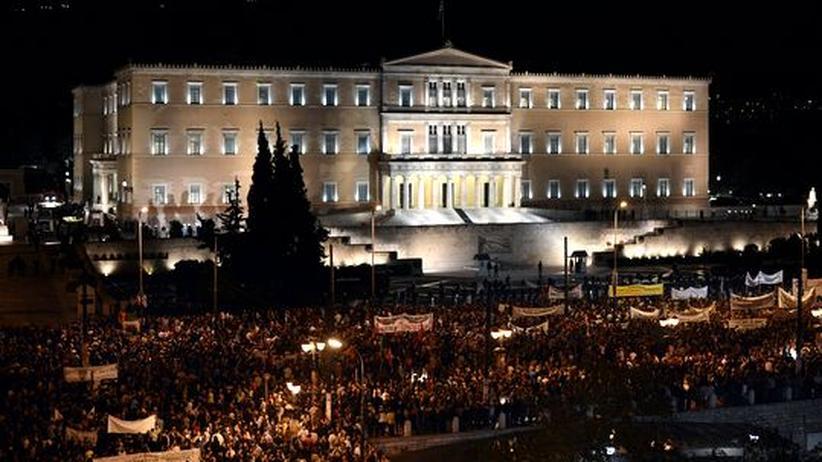 Schuldenkrise: Griechisches Parlament verabschiedet neues Milliarden-Sparpaket